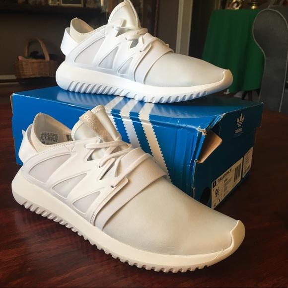 le adidas nwt tubulare, scarpe bianche poshmark virale